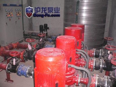 当消防水泵出水管与环状管网连接时