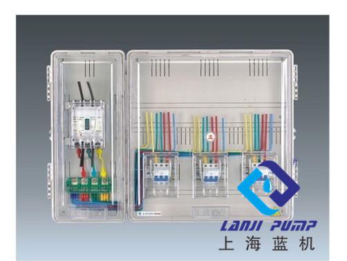 开关室安装有三相接线母排和保护接地母排,便于实现各相线供电.